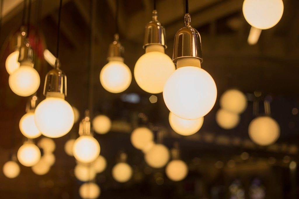 vintage decor lightbulbs